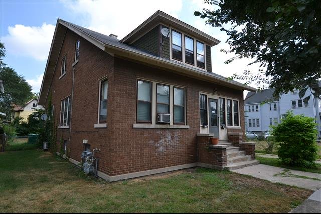 House For Rent In 217 Lincoln St Joliet Il